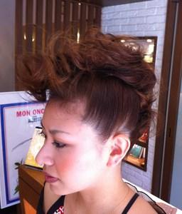 モヒ系アップスタイル fleurのヘアスタイル