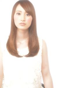 ナチュラルロング fleurのヘアスタイル
