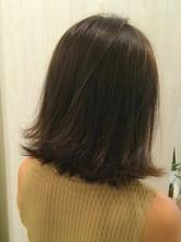 大人可愛い外ハネ|Nico-Huluのヘアスタイル