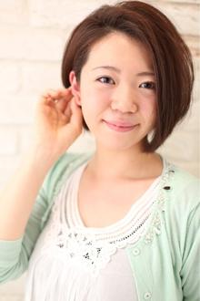 顔の輪郭がキレイに見えるアゴ先レングスのグラデーションボブ|1%er professional のヘアスタイル