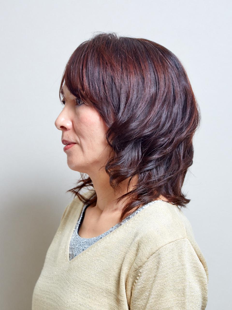 大人巻き髪スタイル