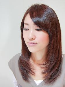 シルキーストレート|La Pieceのヘアスタイル