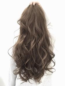 【LILY】外国人風☆グレージュカラー|LILY SHINSAIBASHIのヘアスタイル