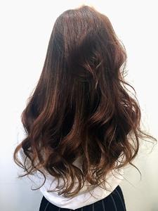 コーラルピンクブラウン|LILY SHINSAIBASHIのヘアスタイル