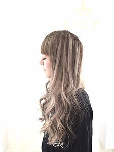 【LILY】 3D・アッシュグレージュ|LILY SHINSAIBASHIのヘアスタイル