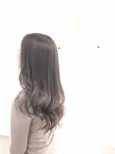 【LILY】 グレージュカラー|LILY SHINSAIBASHIのヘアスタイル