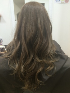 ナチュラルグラデーション hair's moi!のヘアスタイル