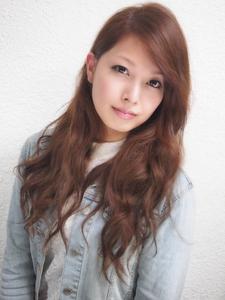 外国人風ゆるめウェーブ巻き|BAKARA HAIR 北花田のヘアスタイル