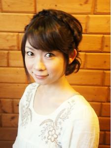 あみこみ&シニヨンでカジュアルセット|BAKARA HAIR 北花田のヘアスタイル