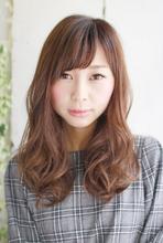 ☆フェミニンな抜け感可愛く♪やわらかパーマ☆|Lauburu 渋谷 bat hairのヘアスタイル