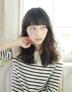 ラフで可愛い大人のスタイル|Lauburu 渋谷 bat hairのヘアスタイル