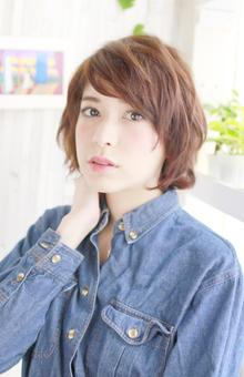 ミディアムのレイヤースタイル♪|Lauburu 渋谷 bat hairのヘアスタイル