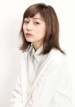 ストレートレイヤーロブ|CiNEMA daikanyamaのヘアスタイル