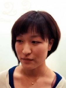 耳上を刈上げ、女性でもできる個性的アシンメトリー前下がり|ATELIER 2.23 santeのヘアスタイル