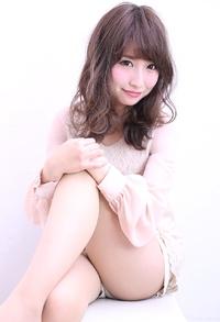 オトナ女子のピンクアッシュカラー