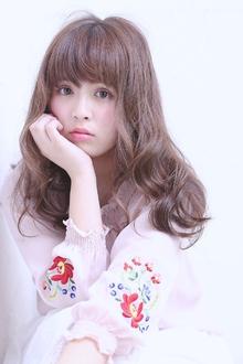 うるツヤカーキアッシュ+ピンクで質感コントロール|florun.のヘアスタイル