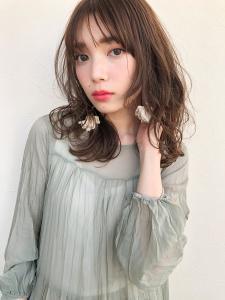 似合わせ小顔艶髪ゆる巻きロング|THOiRY 栄のヘアスタイル