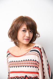 リラックスウェーブなスイートミディアムボブ|HanaWa ebisu tokyo hair salonのヘアスタイル