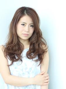 春風に揺れるカール|Calm Hair 阪急淡路店のヘアスタイル
