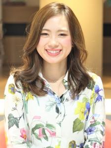 ゆるふわサイドパート|Calm Hair 阪急淡路店のヘアスタイル