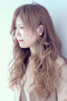 おしゃれ女子がしたくなる外国人風ウェーブ|Calm Hair 阪急淡路店のヘアスタイル