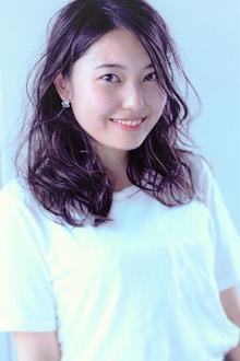 耳掛け品のあるゆる巻きウェーブ|Calm Hair 阪急淡路店のヘアスタイル
