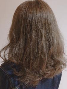 アッシュベージュセミディー|Chlori 淡路店のヘアスタイル