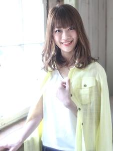 アッシュ×透明感の外国人風カラー|ROLA 北梅田店のヘアスタイル