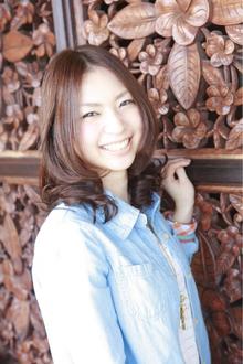 Aラインふんわりフェミニンカール|ANT'S Hair and Resort 辻堂本店のヘアスタイル