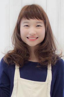 アッシュベージュのセミロング☆|Sourireのヘアスタイル