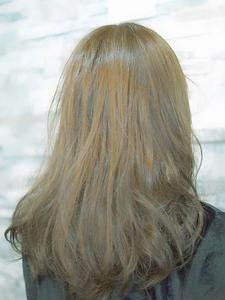 ブリーチしないハイ透明感アッシュ|美髪屋のヘアスタイル