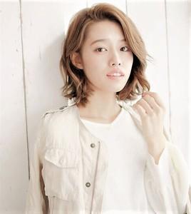 【エフォートレス】クールなかきあげバングのひし形ボブ|錦糸町 美容院 Agateのヘアスタイル