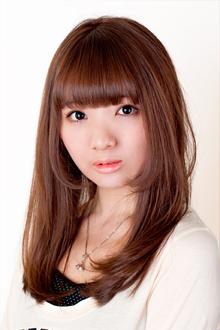 ナチュラルストレート〜顔周りの毛束で小顔に|錦糸町 美容院 Agateのヘアスタイル