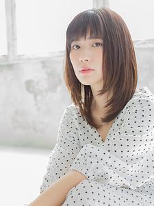 重×軽セミロングスタイル|押上美容院 vitaのヘアスタイル