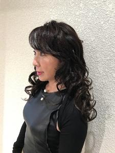 パーティー仕様のダウンスタイル|Hair Salon 1214のヘアスタイル