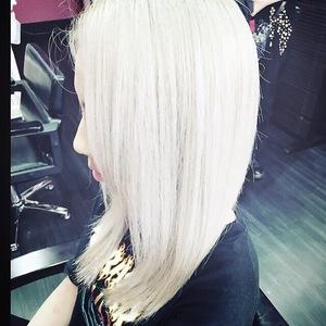 パールホワイトカラー|emi+ Hair & eyelash 練馬のヘアスタイル