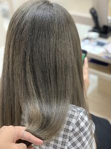 ハイライトグレージュ|e-style Lienのヘアスタイル