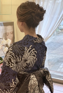 大人っぽく艶のあるルーズアップ|e-style Lienのヘアスタイル
