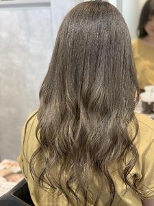 秋のベージュカラー|e-style Lienのヘアスタイル