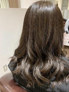 オータムベージュ|e-style Lienのヘアスタイル