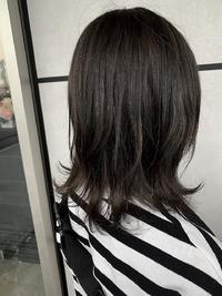 暗髪ロブのレイヤースタイル