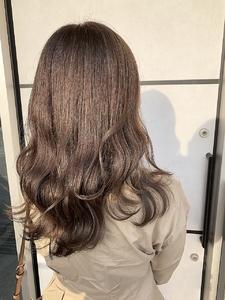 グレージュ e-style Lienのヘアスタイル