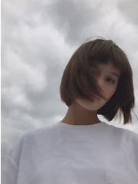 ネイビーカラーフレンチボブ美髪