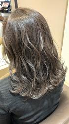 グレージュカラー波ウェーブスタイリング|MATISSE 石尾 刻矢のヘアスタイル