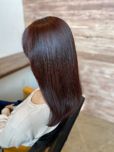 レッドカラー 艶カラー|healing salon Casaのヘアスタイル
