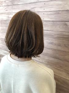 ボブ レイヤーボブ アッシュベージュ|healing salon Casaのヘアスタイル