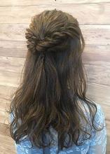 ナチュラルねじりハーフアップ|healing salon Casaのヘアスタイル