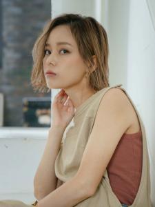 カラー  Feel by emi+ 【半個室サロン】のヘアスタイル