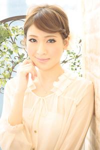黒髪でも似合う!小顔髪型ゆるふわパーマヘアカタログ〜ラクラク可愛いアレンジ(え-070)
