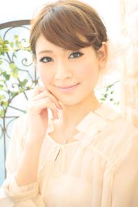 黒髪でも似合う!小顔髪型ゆるふわパーマヘアカタログ〜ラクラク可愛いアレンジ(え-072)